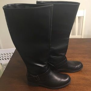 JustFab black boots with wide calf!